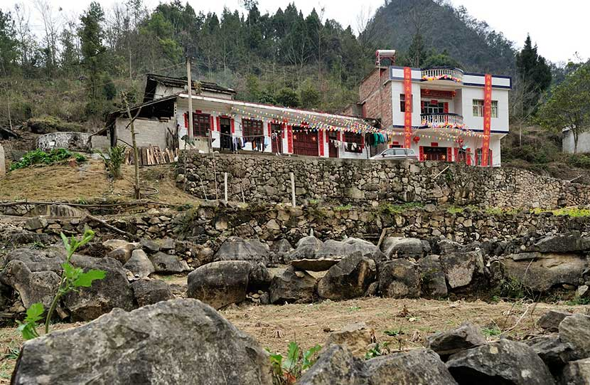 A concrete two-story house in Mahuai Village, Feb. 18, 2016. Xu Fengshan/VCG